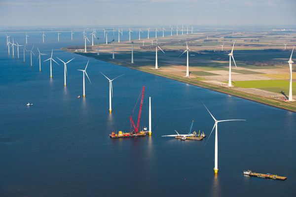 Siemens installs last turbine at Westermeerwind Wind Farm at this time the largest wind farm in the Netherlands